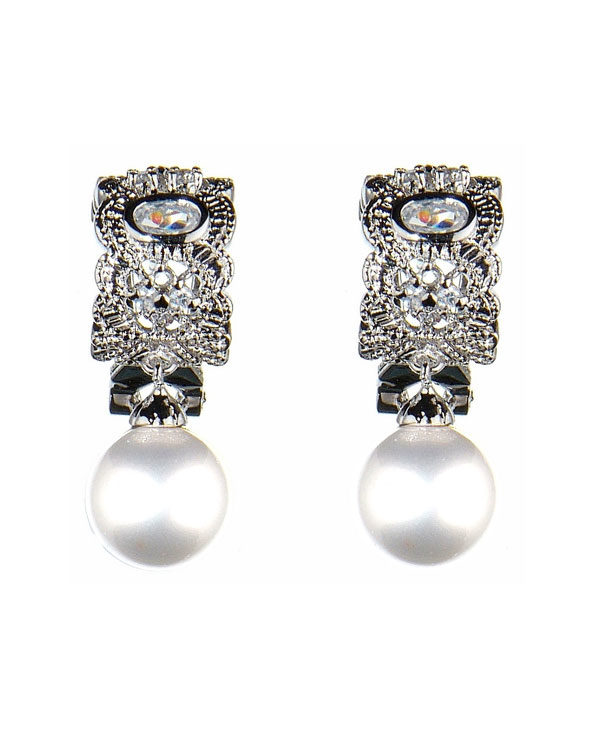 venetia pearl earrings