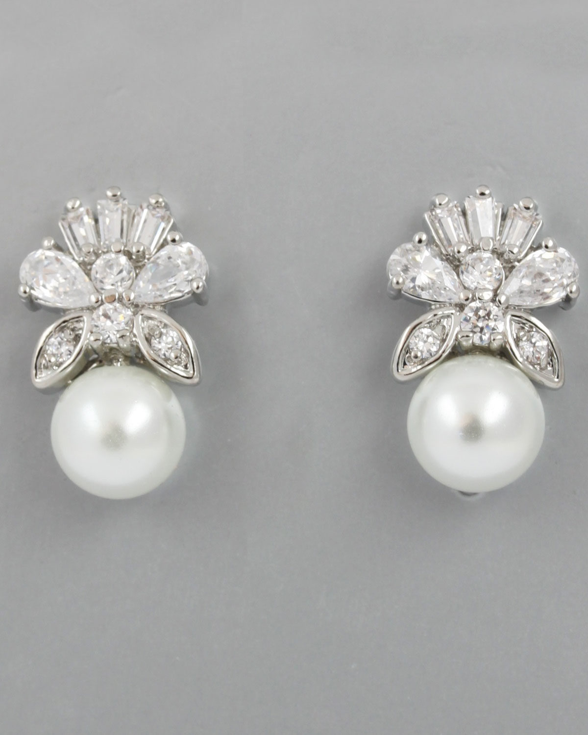 EA01-017 MAJESTIC PEARL EARRINGS