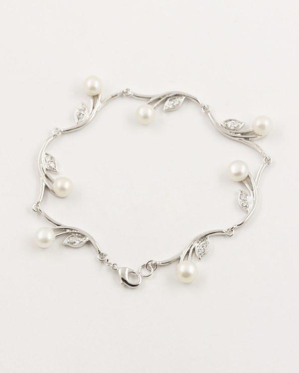 pearl petal bracelet