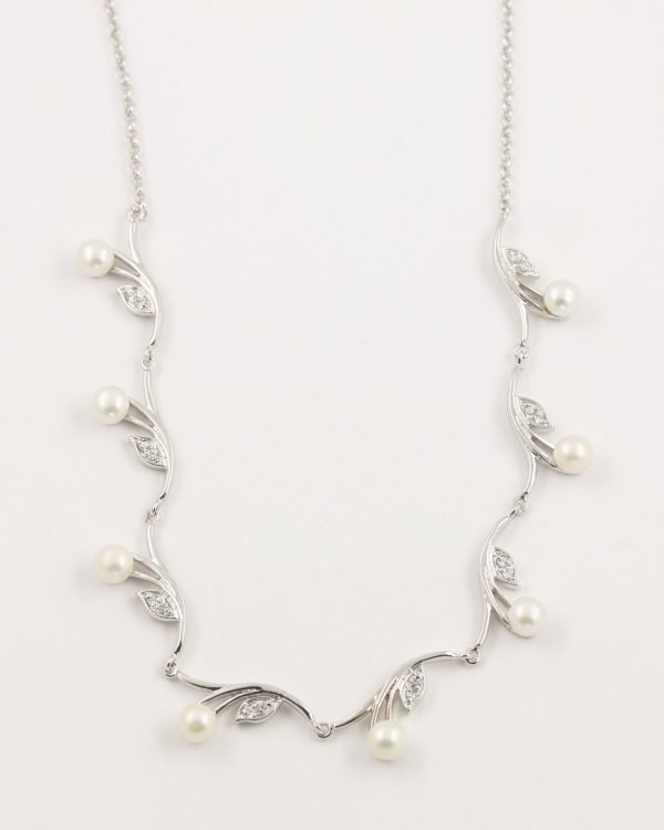 prive bridal pearl petal necklace