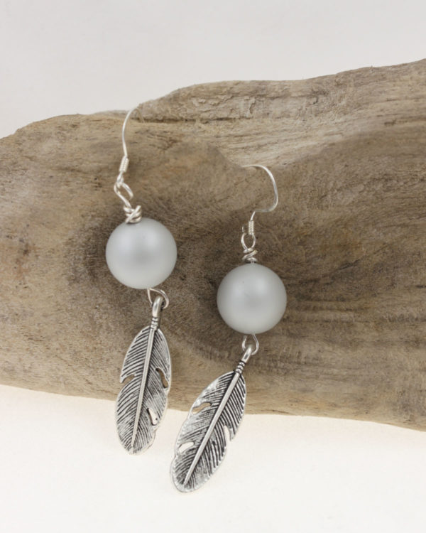 wing earrings pastel grey