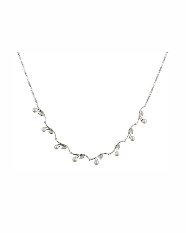 pearl petals necklace
