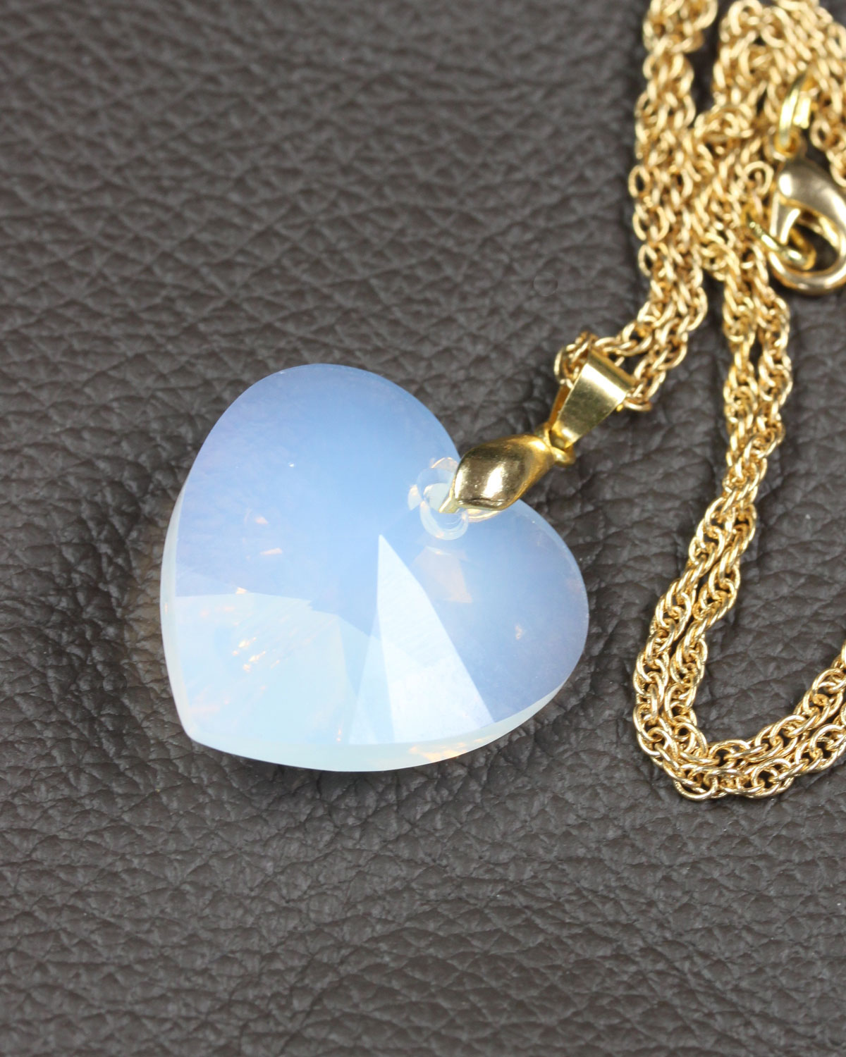 SWAROVSKI HEART WHITE OPAL GOLD CHAIN 2