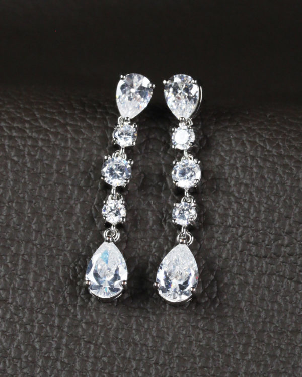 elegance drop earrings